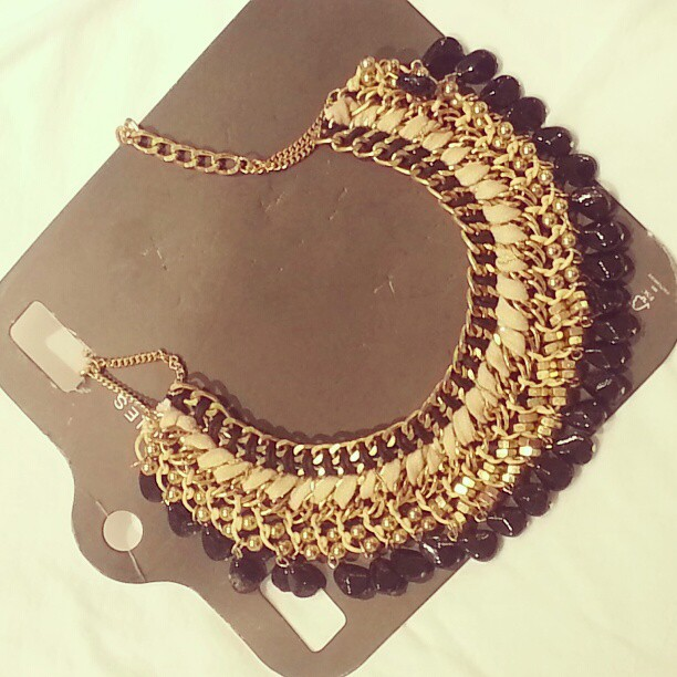 collar barroco by Zara