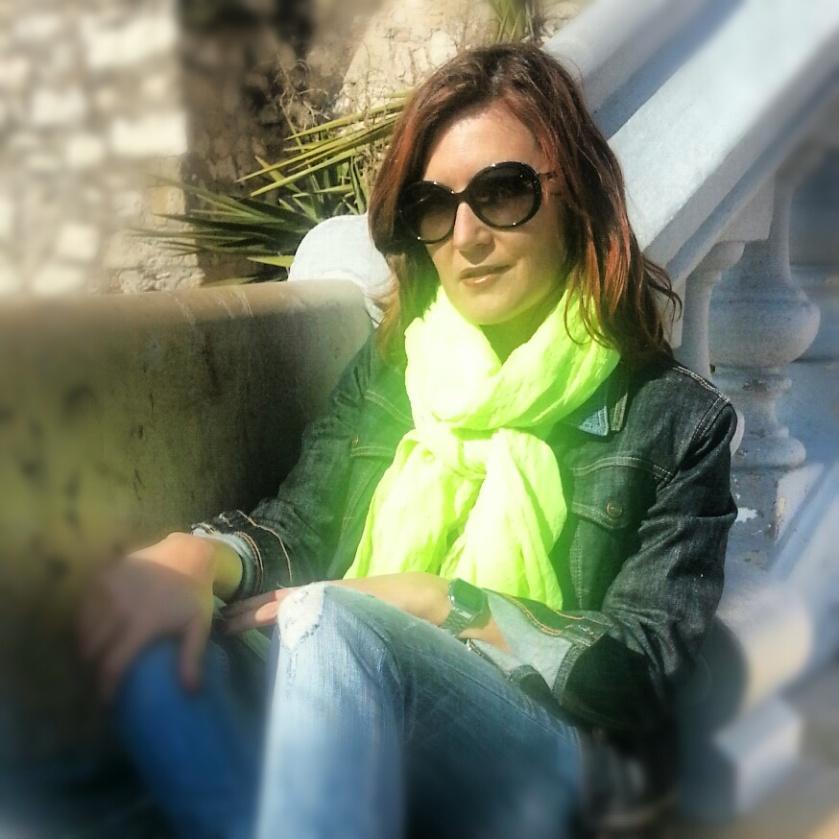 fluor_neon_scarf