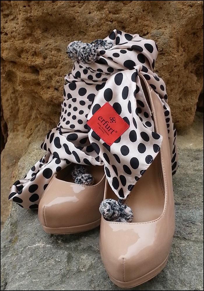 Denim_bombachos_Shakira_style_woman style_trends_trendy_must have_It girl_fashion jeans_fular erfurt_bolsocollege_Misako - 2