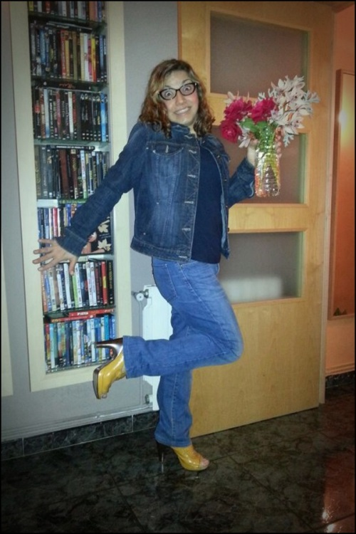 DEnim_on_denim_by_Monica_wearing_Chie_Mihara_shoes