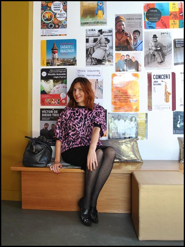 Sudadera vintage;retro;boyfriend jeans; fucsia & negro, Vogue sunglasses; look la capella; falda negra tubo (2)