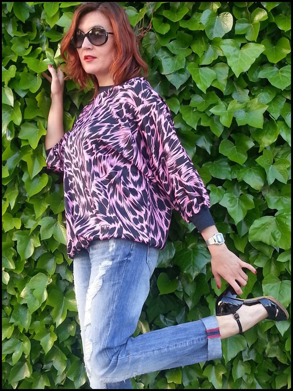 Sudadera vintage;retro;boyfriend jeans; fucsia & negro, Vogue sunglasses