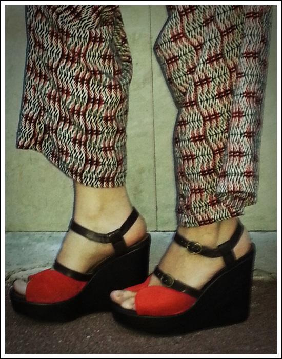 Cuñas Chie Mihara black & red