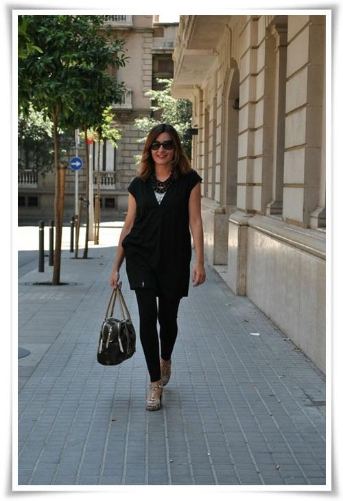 Casaca Sky Republic; leggins zara; top tank Zara; zapatos Pons Quintana; collar C& A, bolso camuflage Sitges (3)