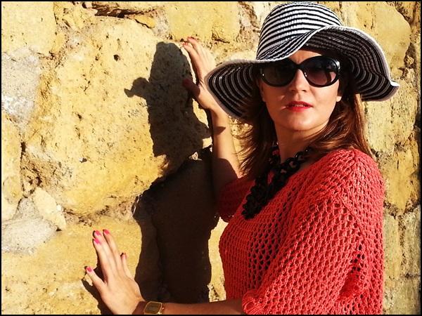 Jersey Cha de cores, falda Silvian Heach, zapatos Purificación garcia, beach street style (3)