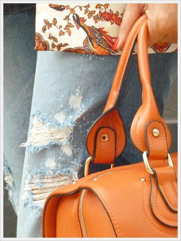 Kimono Stradivarius; Jeans Stradivarius, bolso Espacio de Diseñadores en La Roca Village