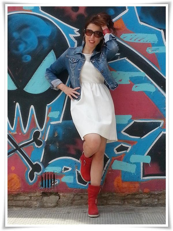 Vestido Zara Basic; Botas Hangar (made in Spain); Cazadora Stradivarius; Pulsera Cuple; Gafas Sphera (7)