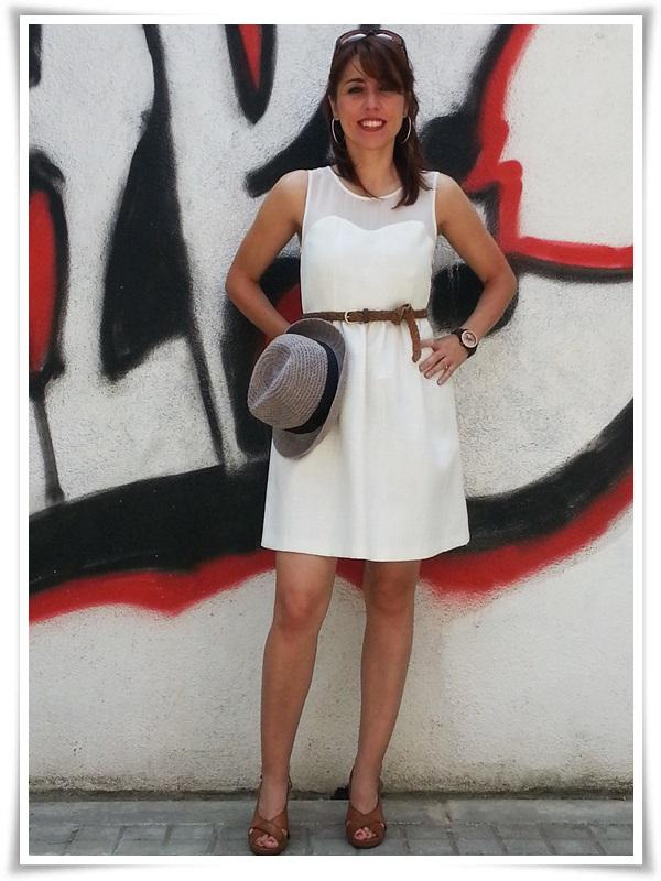 Vestido Zara Basic; Zapatos Gibbor; Cinturón STRADIVARIUS; Pendientes Sphera; Sombrero Outershell; Reloj Vabene (Italy); Gafas Sphera (6)