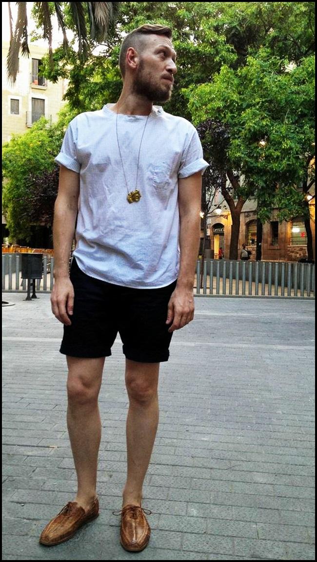 Camisa Italiana, propuesta, lo primero que encontre al abrir el armario.Shorts H&M