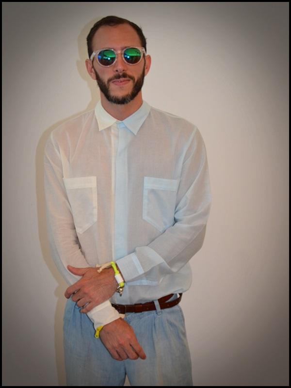 """Camisa twin de Brain & Beast  pantalón Uterqüe  Sandalias Son de la tienda """"Sueños Negros"""" del Boulevard rosa  Gafas H&M  Pulsera Domingo Ayala  Capazo (5)"""