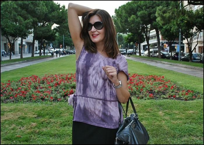 Falda Naf Naf, Camiseta hippie-chic en Siena, bolso Bimba & Lola, Zapatos Pons Quintana (3)