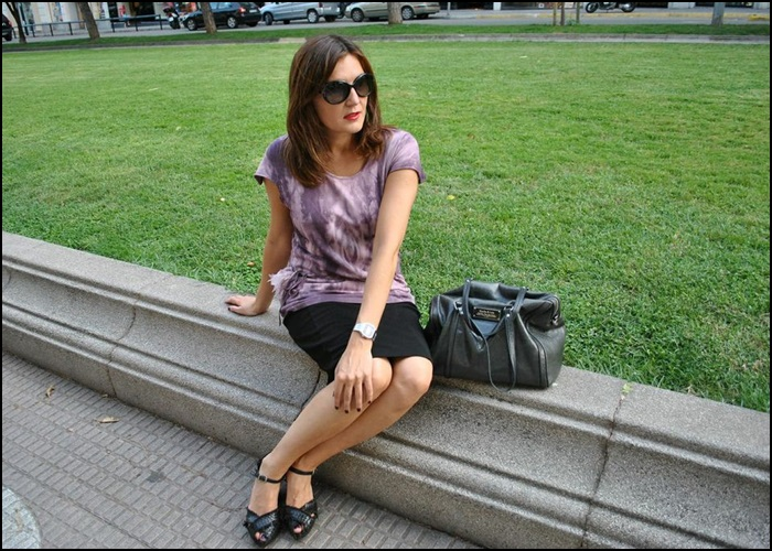 Falda Naf Naf, Camiseta hippie-chic en Siena, bolso Bimba & Lola, Zapatos Pons Quintana (4)