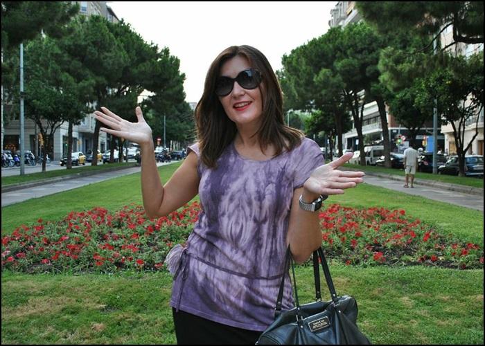 Falda Naf Naf, Camiseta hippie-chic en Siena, bolso Bimba & Lola, Zapatos Pons Quintana