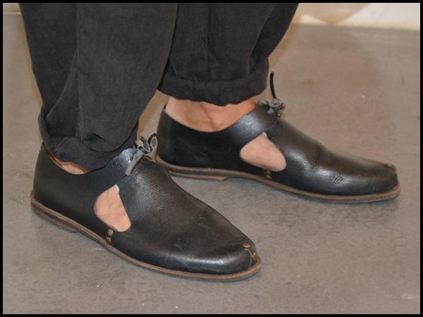 Pantalones Sigman Cucala  Camisa Cos  Zapatos Caboclo  Gafas Gsevenstars  Pulsera Domingo Ayala  Bolso Uashmama (3)