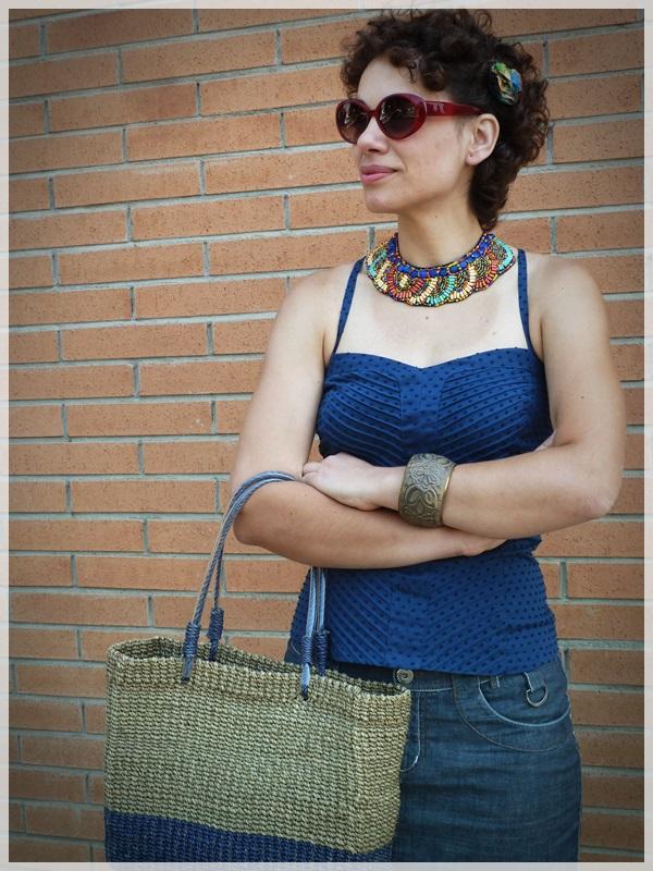 Pin-up baby; Corpiño Blanco, Zapatos Hispanitas, collar y pulseras etnicas; gafas Ben Affflelou modelo 50's (4)