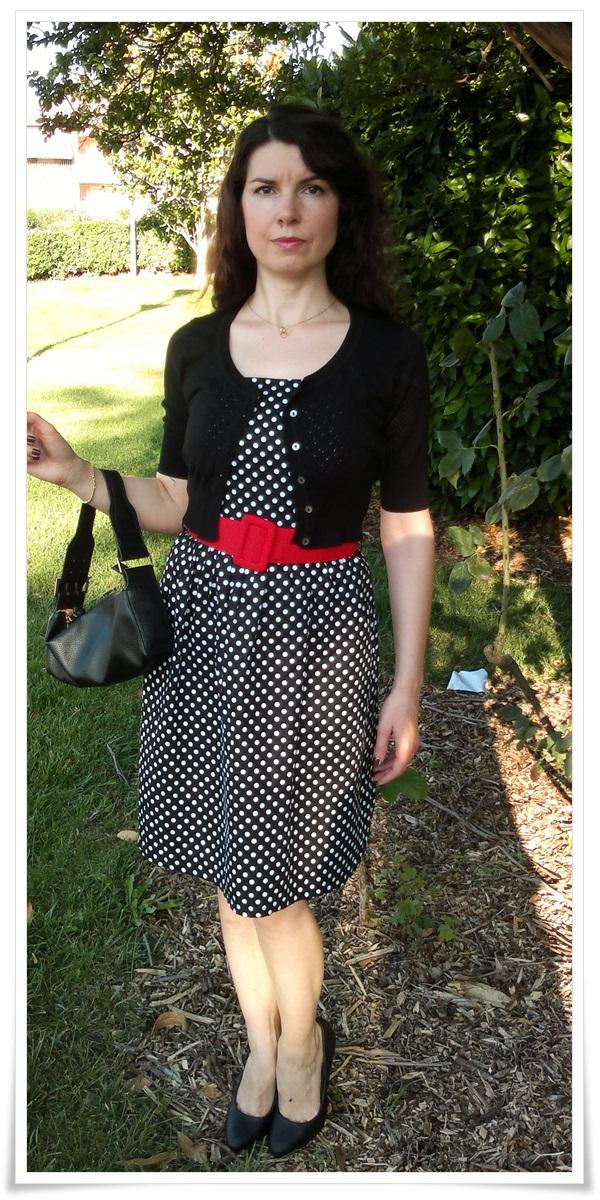 Vestido vintage; Chaqueta Mango; Bolso Mango; Salones Cartagena; Look Audrey Hepburn; Cuidatuimagen; looks de verano
