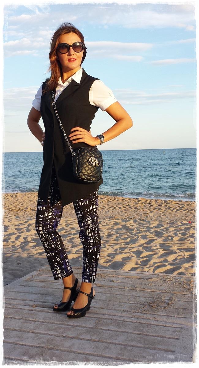 Pantalones H&M, chaleco vintage, camisa Amichi; zapatos Pura Lopez, bolso local store 2customizado