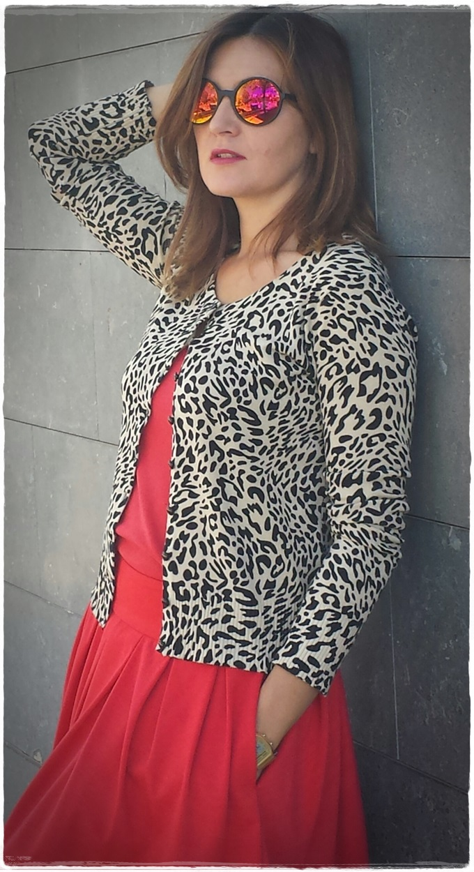 Falda primark, Toptank Sfera, chaqueta Vintage, gafas Lost&foundmarket (2)
