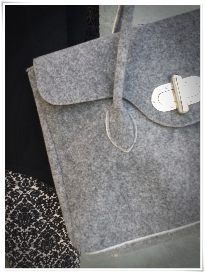 Cuidatuimagen, leggins barrocos, camiseta transparente, bolso Birkin-like; Tezenis; looks, trendy looks, leggins looks2