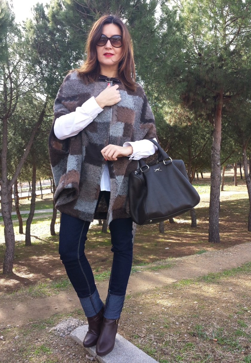Cuidatuimagen, capeando el temporal, capas, trendylooks, capes, autumn looks, bimba&lola bags (2)