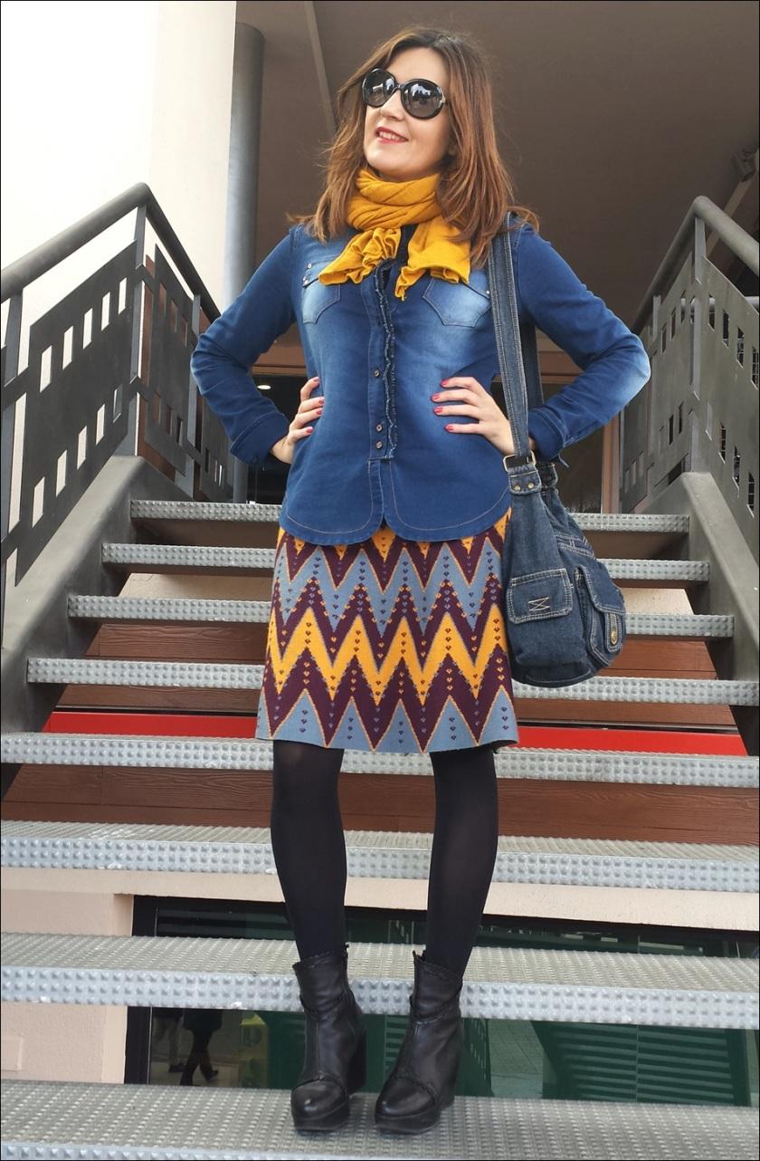 Cuidatuimagen; falda de punto Sfera, camisa tejana, pañuelo Primark, retro-hippie, bolso tejano 5