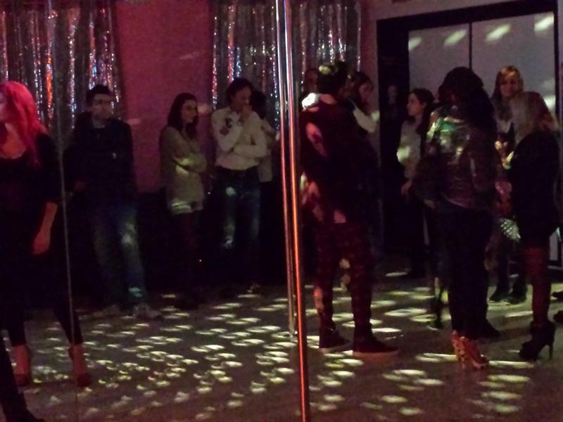 Cuidatuimagen,Pole dance vallés; inauguración, barra americana, deportes, lifestyle, burlesque (2)