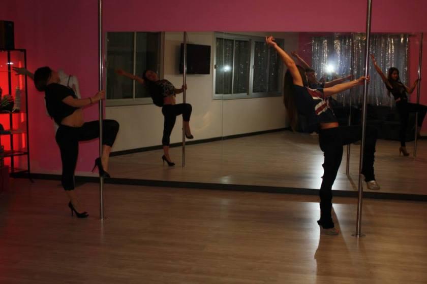 Cuidatuimagen,Pole dance vallés; inauguración, barra americana, deportes, lifestyle