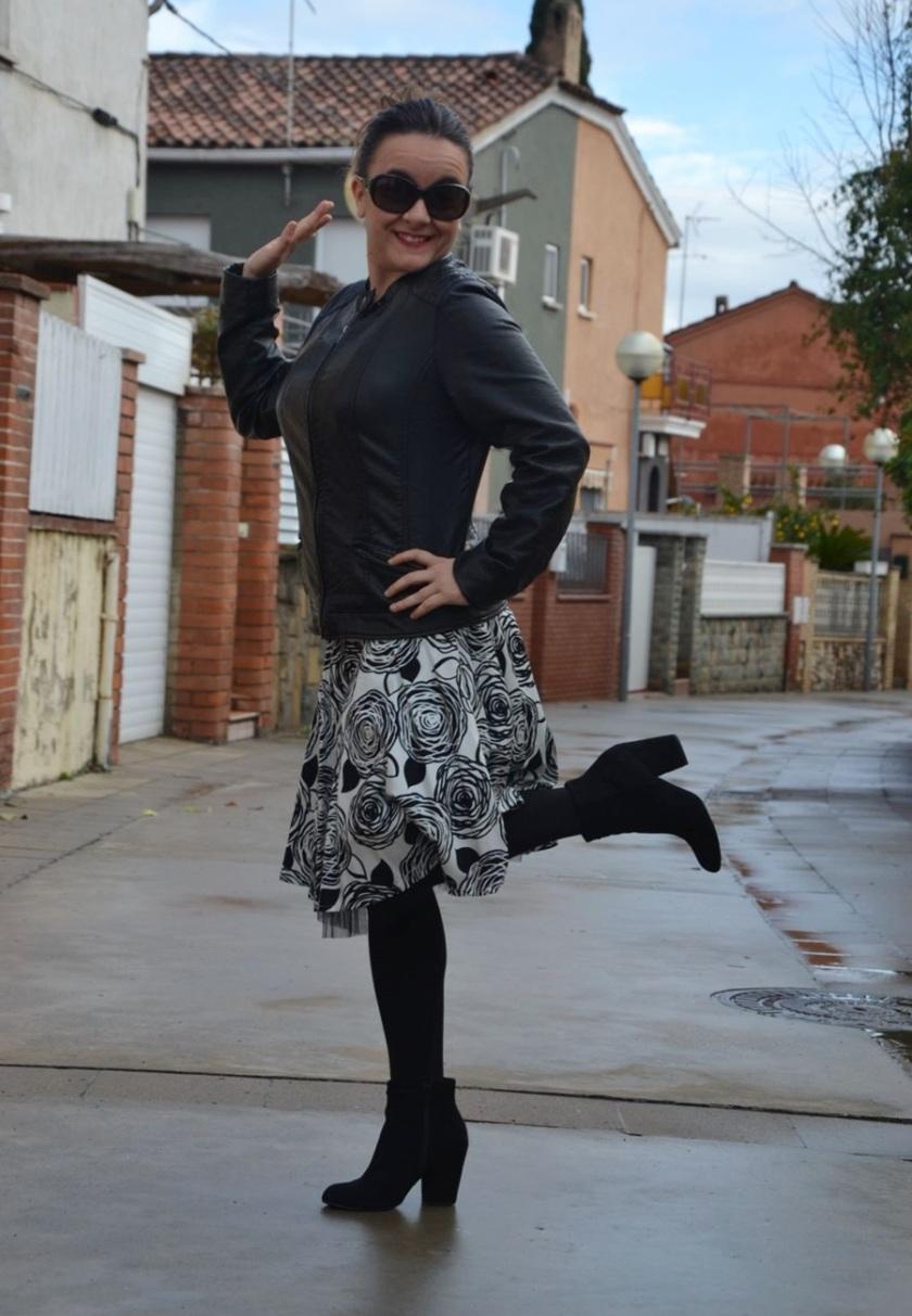 Falda Viridianna Chaqueta Pimkie  Botines Sfera  Gafas Prada; Cuida de ti; Cuida tu imagen7