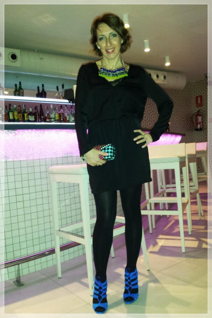 CARME-5, Vestido negro, accesorizar, LBD, trendy looks, LBD Bershka, Clutch Zara, Collar Zara, Zapatos Mass34