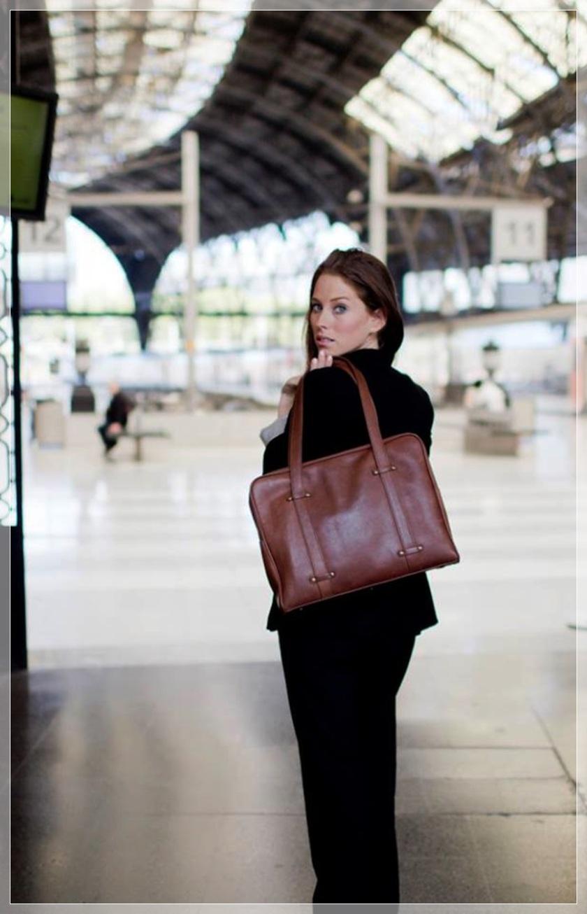 Cuidatuimagen x OeOe bags, bolsos made in Barcelona, cosmopolitan bags