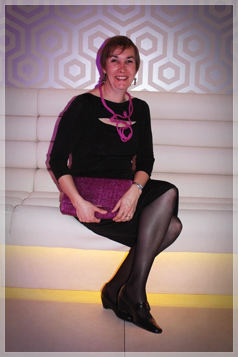 ROSE-1, Vestido negro, accesorizar, LBD, trendy looks, LBD Roberto Verino, Clutch rafia H&M, Collar Mercado artesanal Viena, Zapatos Wonders