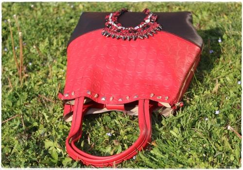 Cuida de ti, Cuida tu imagen, Red & Black, Collar Zara, bolso calaveras 3