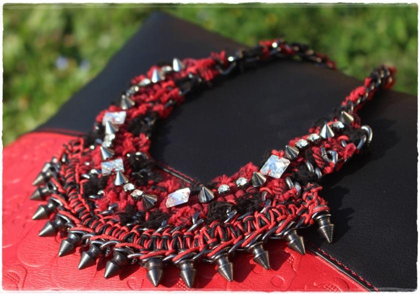Cuida de ti, Cuida tu imagen, Red & Black, Collar Zara, bolso calaveras