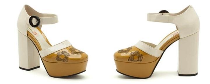Clarks mostaza; colección cápsula de Orla Kiely para la marca de zapatos Clarks; Cuidatuimagen