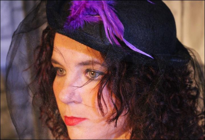 Cuida de ti, cuida tu imagen, Helena Bohan carter, La reina de Coraazones, Alicia en el Pais de las Maravillas, sweney Todd, looks, editoriales 14