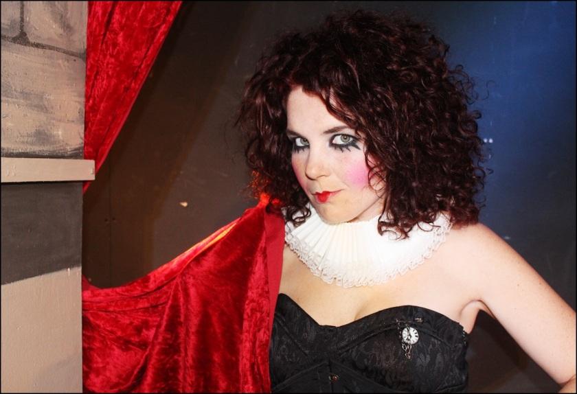 Cuida de ti, cuida tu imagen, Helena Bohan carter, La reina de Coraazones, Alicia en el Pais de las Maravillas, sweney Todd, looks, editoriales29