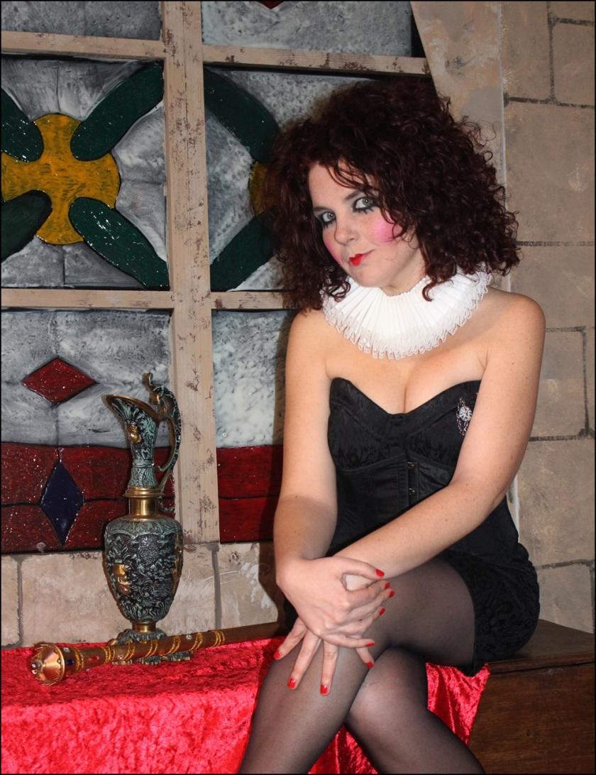 Cuida de ti, cuida tu imagen, Helena Bohan carter, La reina de Coraazones, Alicia en el Pais de las Maravillas, sweney Todd, looks, editoriales30