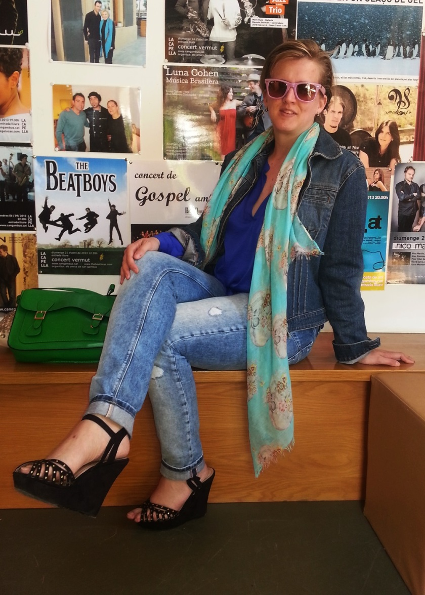 Cuidadeti, Cuidatuimagen, street style, outfits, spring looks, Jeans Salsa, Camisa Primark, Foulard All My Shoes, Bolso Misako, Gafas Rayban, Cazadora tejana GAP, Zapatos Venca 4
