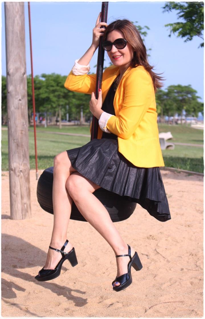 Cuida de ti, Cuida tu imagen, spring looks, street style, fedora hat, yellow blazer zara, skirt H&M, bag Pepe Jeans 4