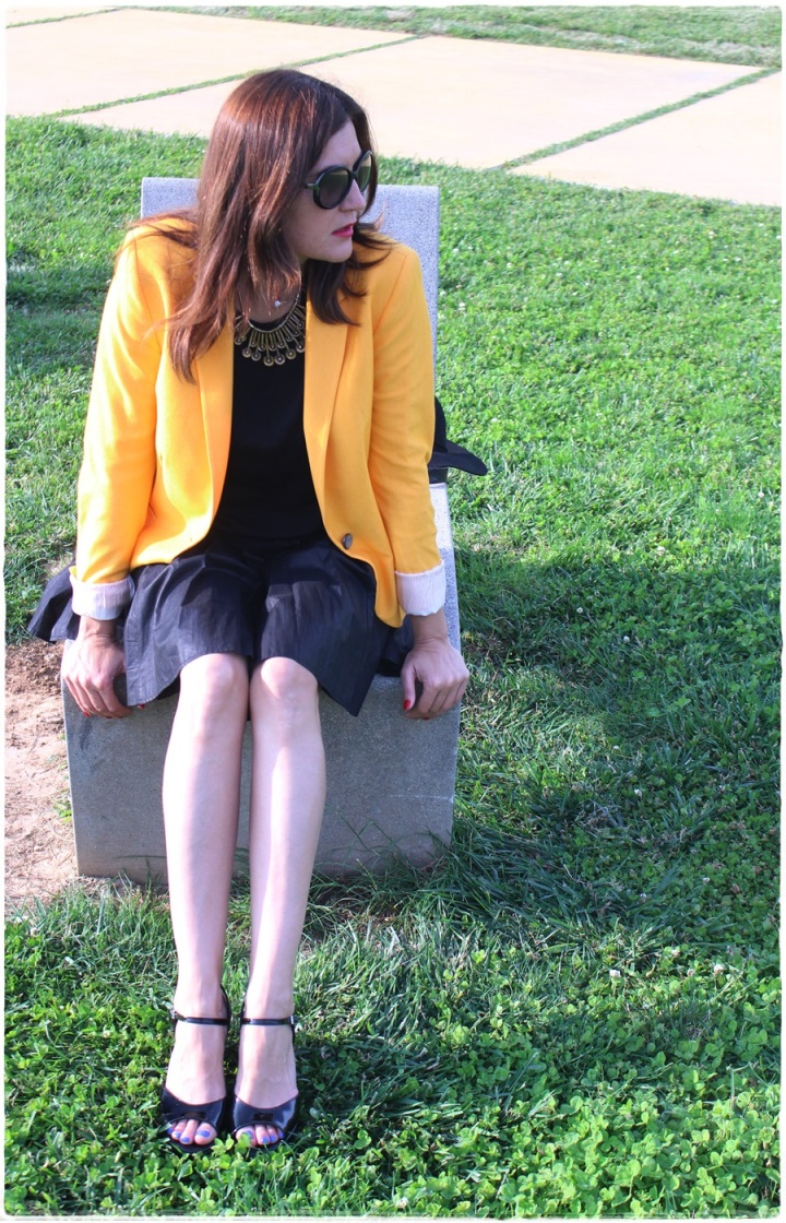 Cuida de ti, Cuida tu imagen, spring looks, street style, fedora hat, yellow blazer zara, skirt H&M, bag Pepe Jeans 9