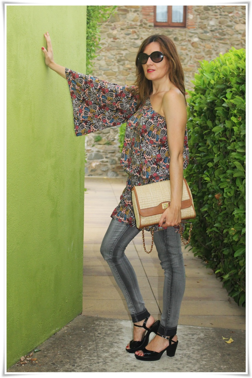 Cuida de ti, cuida tu imagen, street style, looks, Hotel Ses Arrels, Palamos, Asymmetric blouse, urban style