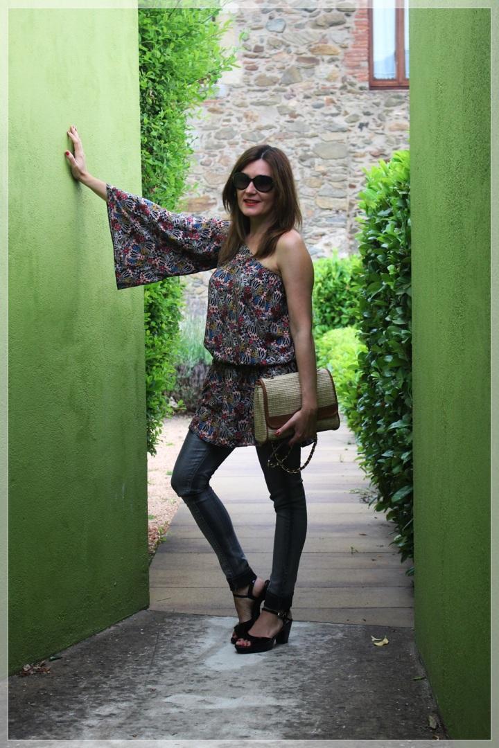 Cuida de ti, cuida tu imagen, street style, looks, Hotel Ses Arrels, Palamos, Asymmetric blouse, urban style9