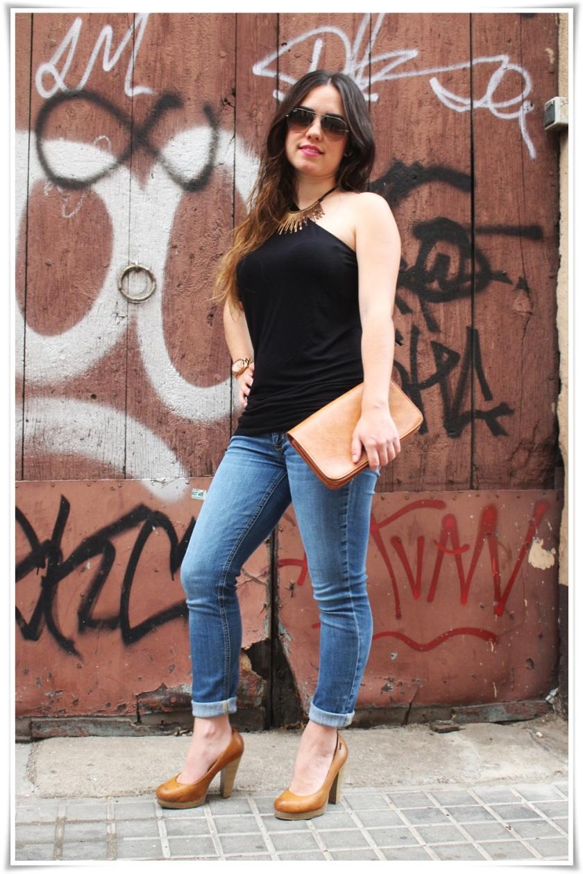 Cuida dde ti, cuida tu imagen, summer looks, looks de verano, trends, Pantalón Hollister, Camiseta Bershka, Zapatos Mustang, Bolso Misako, Collar Stradivarius,  Reloj Michael Kors,Gafas Rayban