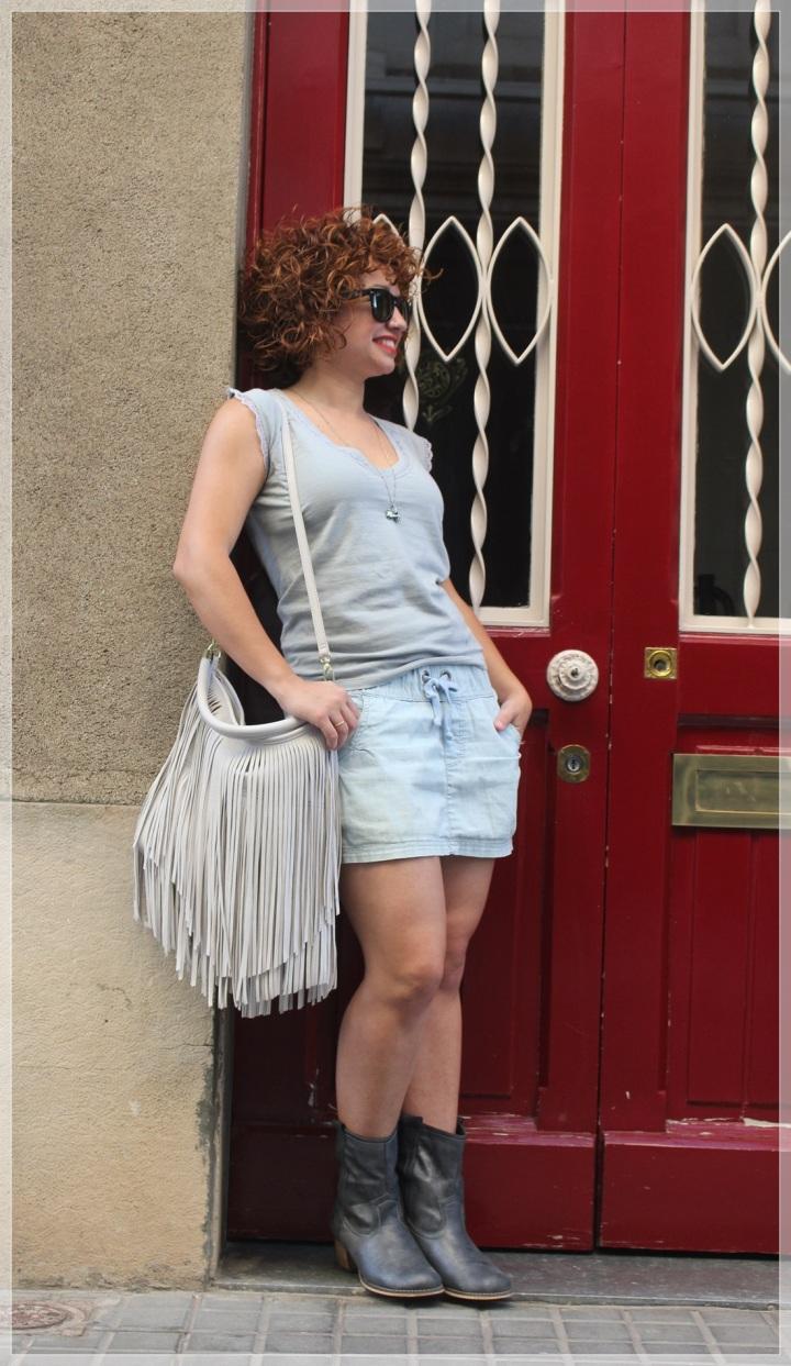 Cuida de ti, cuida tu imagen, falda Only, camiseta Urban pacific, colgante Bijou Brigitte, gafas Ray-ban Wayfare, bolos H&M, summer looks, looks de verano, trends 2