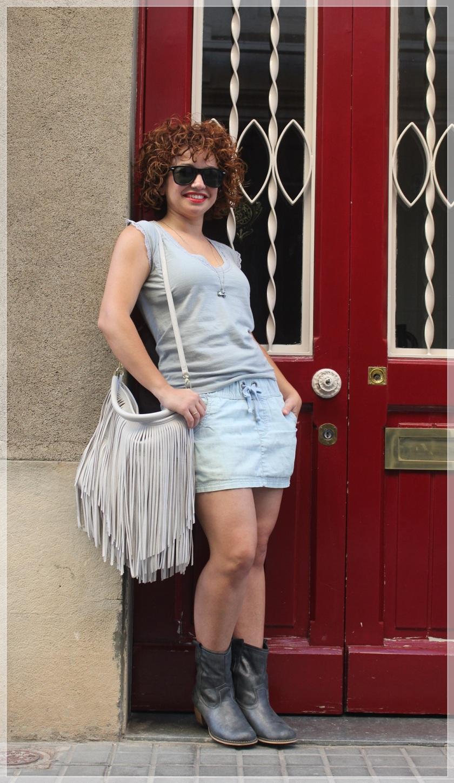 Cuida de ti, cuida tu imagen, falda Only, camiseta Urban pacific, colgante Bijou Brigitte, gafas Ray-ban Wayfare, bolos H&M, summer looks, looks de verano, trends