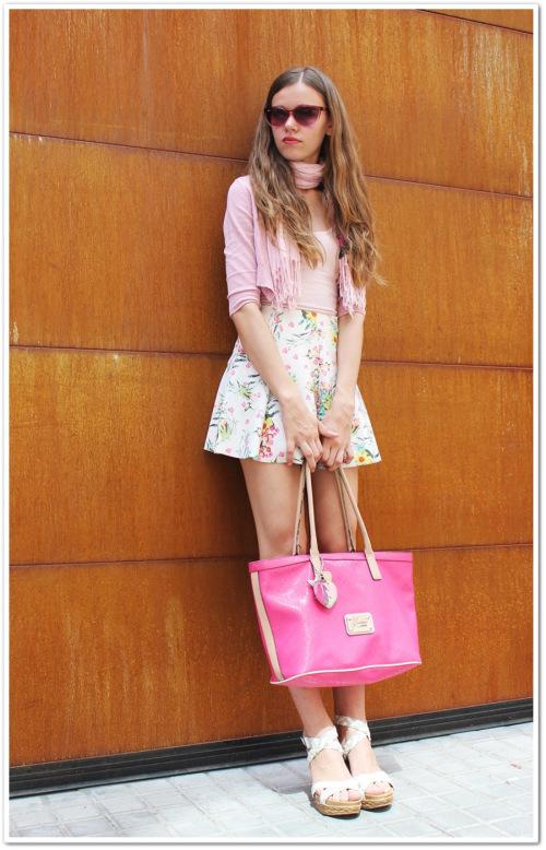 cuida-de-ti-cuida-tu-imagen-summer-looks-looks-de-verano-trends-summer-trends-falda-green-coast-camiseta-bershka-torerita-stradivarius-pac3b1uelo-hm-zapatos-porronet-gafas-ra5