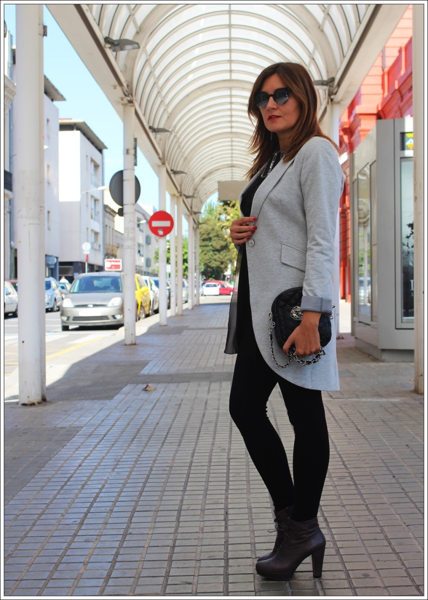 Cuida de ti, cuida tu imagen, Looking for grey, chaqueta chaque Zara, botines marca TO BE, autumn trends, tendencias de otoño 5