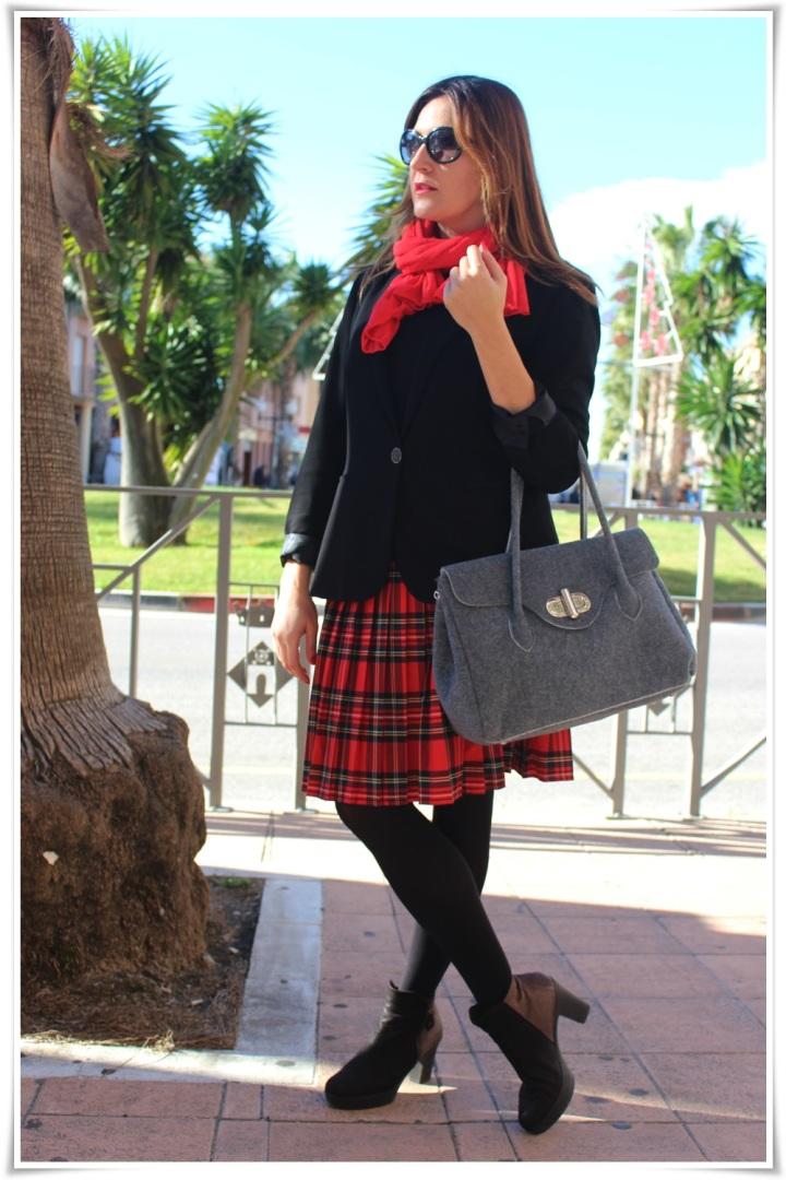 Cuida de ti, cuida tu imagen, falda tartán, escocesa, scotish, street style, winter looks 4