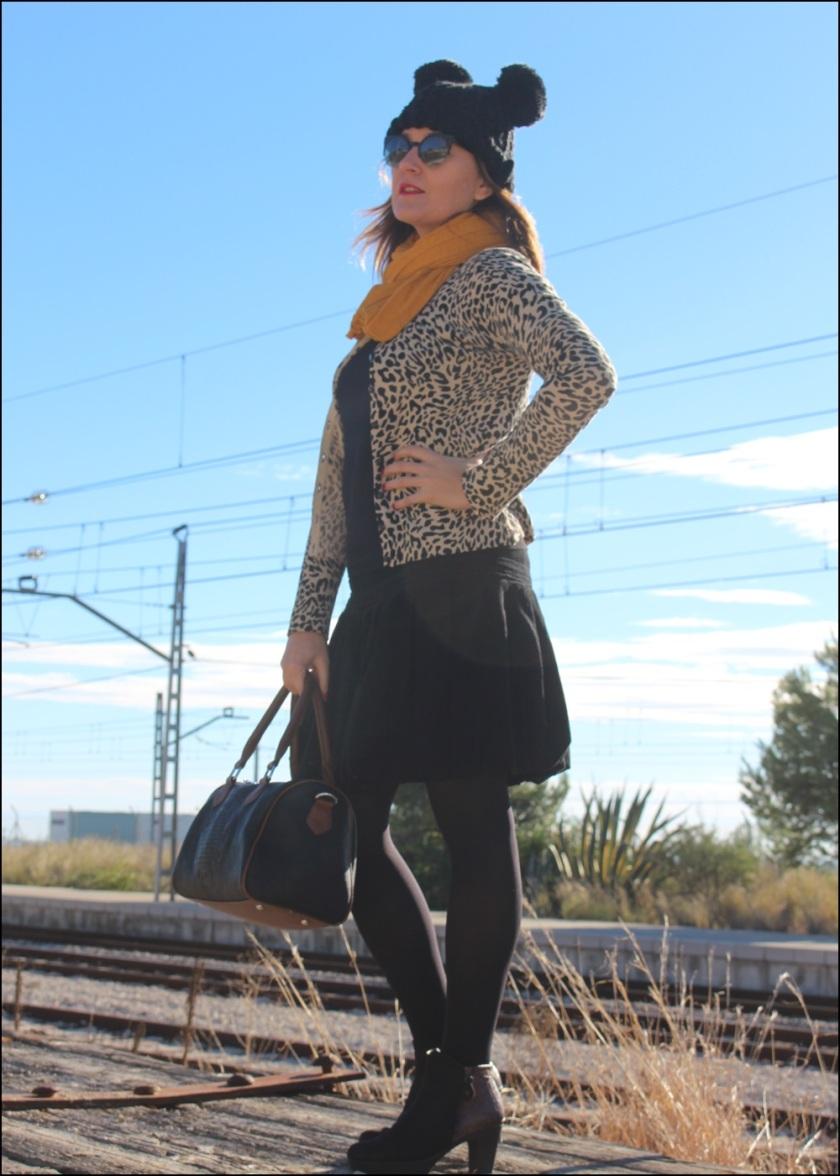 Cuida de ti, Cuida tu imagen, On the Go, starting the new year, winter looks, street style, Falda Promod,Jersey Naf Naf,Chaqueta Voodoo Vixen,BotinesPedro Miralles, Bolso tienda8