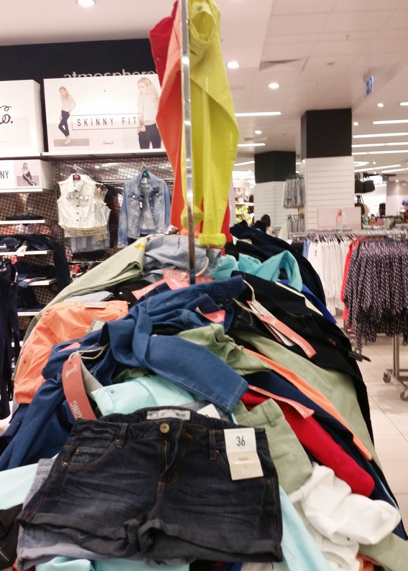 Cuida de ti, Cuida tu imagen, PRIMARK, Fast Fashion, Fast Shopping, low cost experience, casi una experiencia religiosa 010